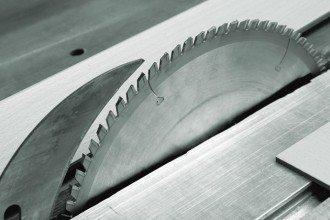 Service Holzzuschnitt bei kwp Baumarkt