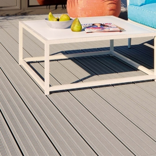 Terrassendiele-EasyDeck-Diele-Trend-teilgeriffelt