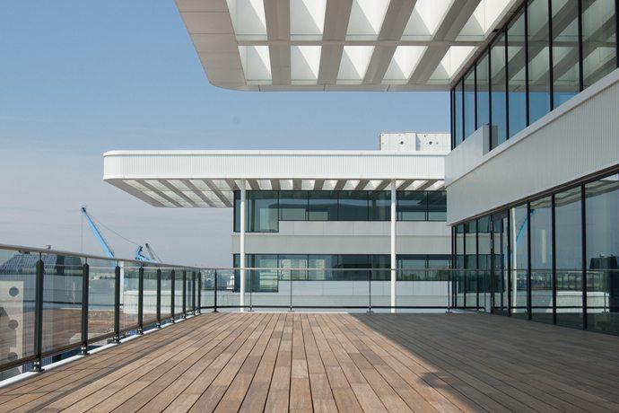Terrassendielen aus Holz oder WPC bei Kwp Baumarkt
